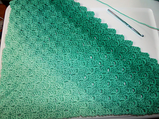 Corner-to-Corner Ombre Throw pattern by Carolyn Calderon - Ravelry