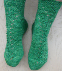 Climbing_mistletoe_socks_small