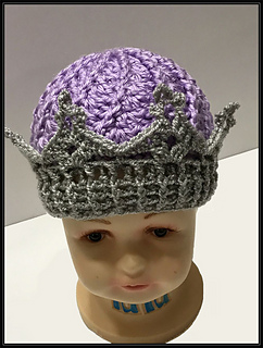 Ravelry  Crown Tiara Beanie pattern by Sandy Rushton 1a42ff928ba