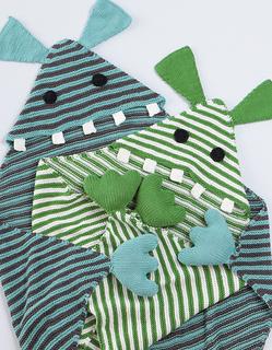 Cuddly Monster Blankie pattern by Rebecca Danger