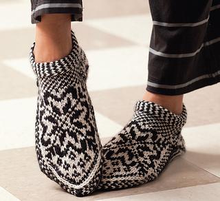 Norwegian Star Slippers pattern by Laura Farson
