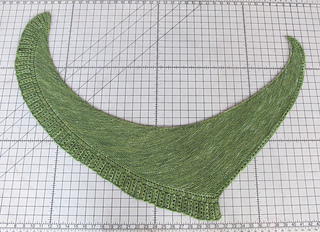 Side_to_side_shawl_img_6235_small2