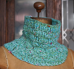 Cocoon_cowl_bulky_dsc03605_small
