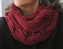 Twisted_cabled_cowl_018_small