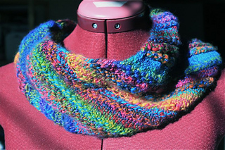 That_nice_stitch_cowl_small2