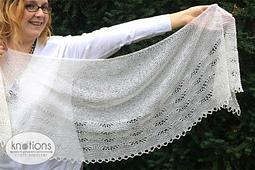 Onda-su-onda-shawl-to-side_small_best_fit