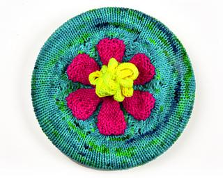 Flowerhat111670661w_small2