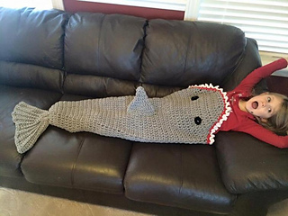 Knitting Pattern For A Shark Blanket : Ravelry: Shark Blanket pattern by The Crocheting Mom