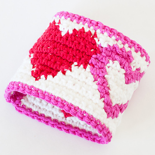 Tapestry-crochet-heart-cup-cozy-26_small2