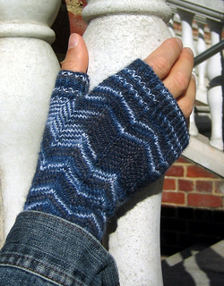 Boyfriendmitts03a_small2