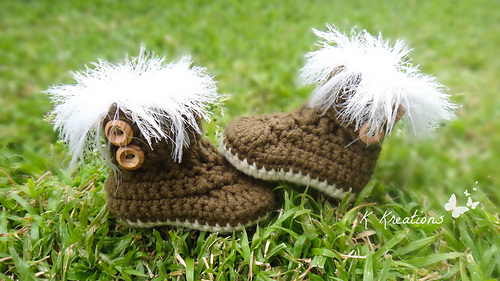 Lovely_crow_fur_boots4_medium