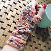 Fingerless_gloves_1_small_best_fit