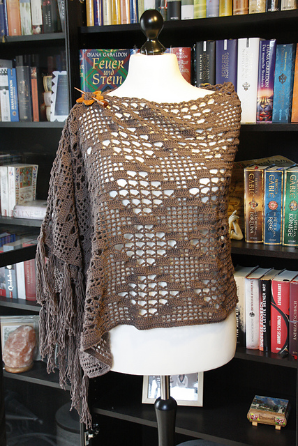 Ravelry: WITCHCRAFT Wrap or Shawl pattern by Silvia Bangert