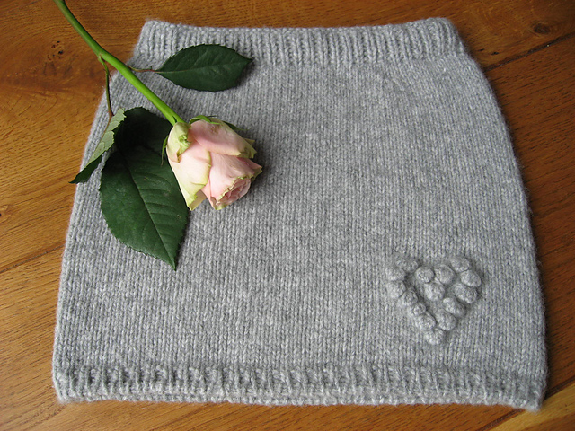 Ravelry: Happy Heart Girls Skirt pattern by Knitalily