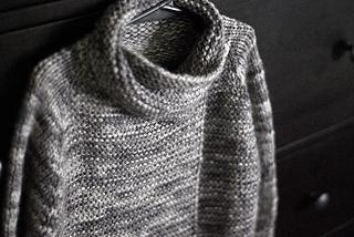 Moon_sweater_2_small2