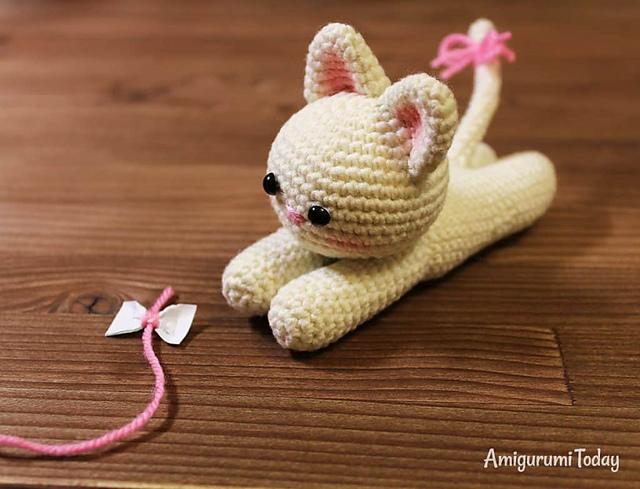 Ravelry Lying Kitten Pattern By Amigurumi Today