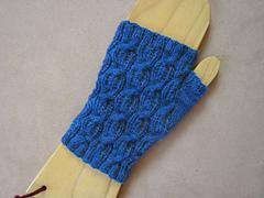 Fluffy_knitter_blue_1_small