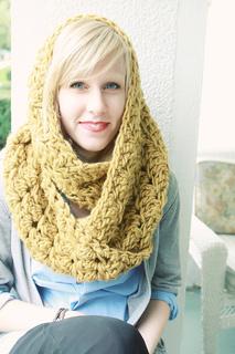 Geraldine_circle_scarf_2_small2