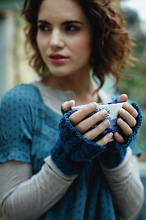 Belle_cable_mitts_small2