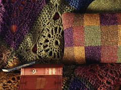 Crocheted_squares_throw_-_close_up_small