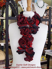 Froufrou_crochet_scarf_2_small