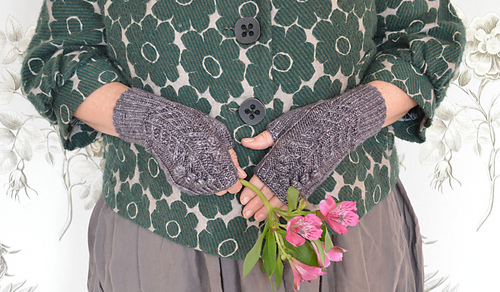 Spring-bloom-mitts-by-rachel-atkinson-for-loop-london