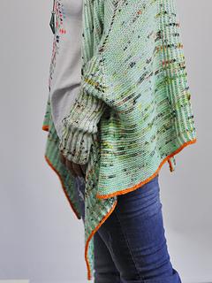 Shusui Shrug pattern by Susanne Sommer