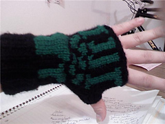 Munecas_gloves_1_small