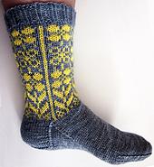 Daffodilly_socks_1-01_small_best_fit