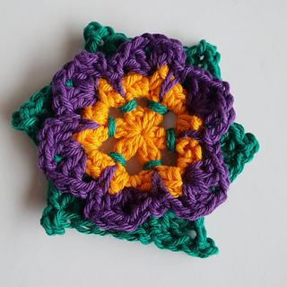Ravelry Pinwheel Flower Pattern By Shelley Husband