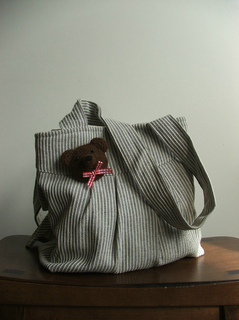 Bear_brooch_bag_small2