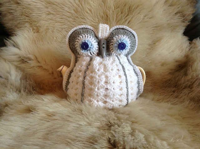 Ravelry Vintage Hooty Owl Tea Cosy Pattern By Julie Stafford