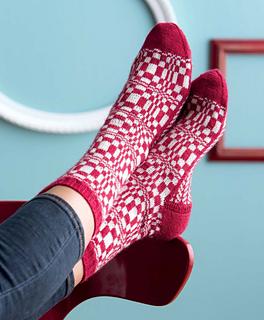 Op-art_socks_-_fibonacci_beauty_shot_small2