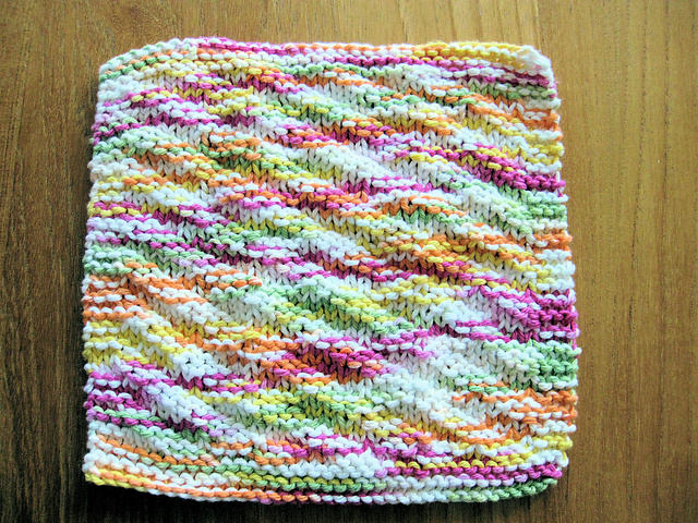 Ravelry Sues Easy Knit Dishcloth Pattern By Sue Norrad