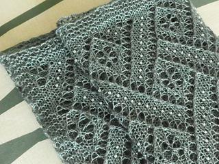 Ravelry An Elegant Beaded Lace Stole Pattern By Anniken Allis