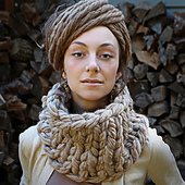 Sqknittedcowl2altjpg_10701489846_m_1_small_best_fit