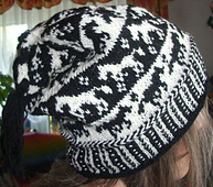 Horse_tail_beanie3_small_best_fit