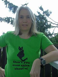 Cat_t-shirt3_small2