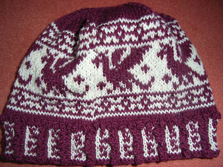 Red_dragon_beanie2_small2