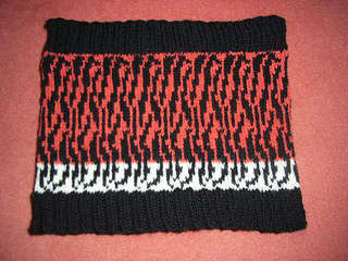 Tiger_stripes_cowl_small2