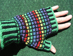Stained_glass_mitts3_small