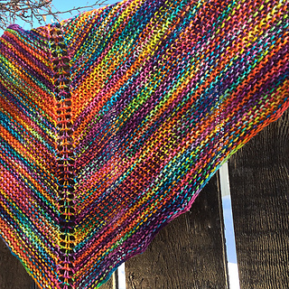 Marilyins_easy_rainbow_shawl_small2