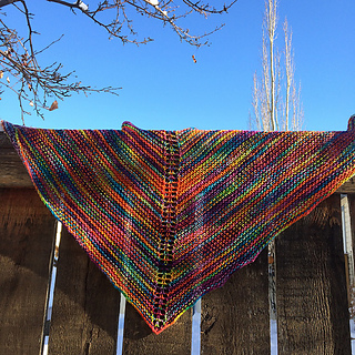Marilyns_easy_rainbow_shawl2_small2
