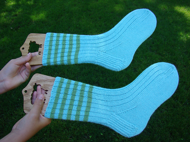 Ravelry Ribbed Socks For Bigger Feet Pattern By Susan B Anderson