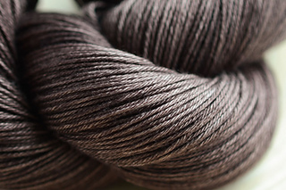 Yarn_merinosilkfine_bison_small2