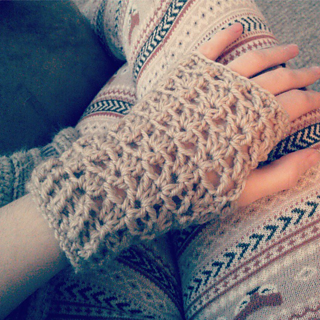 V_stitch_glove_small2