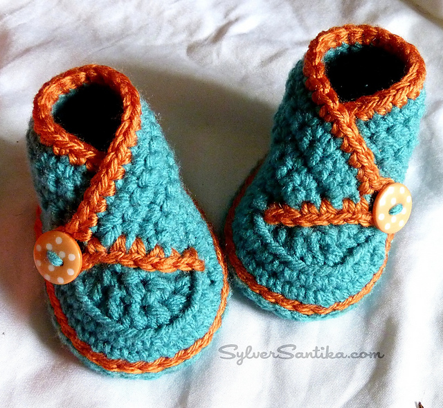Ravelry: Baby High Top Kimono Booties pattern by Sylver Santika