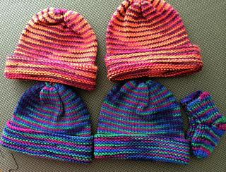 Newborn Cap, Knitted in the Round
