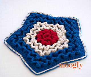 Star_spangled_trivet_angled_small2