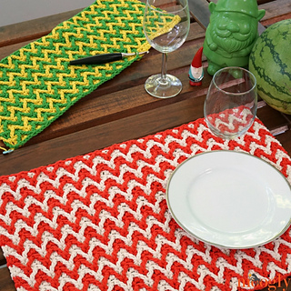 Bright_chevron_placemat_-_dir_small2
